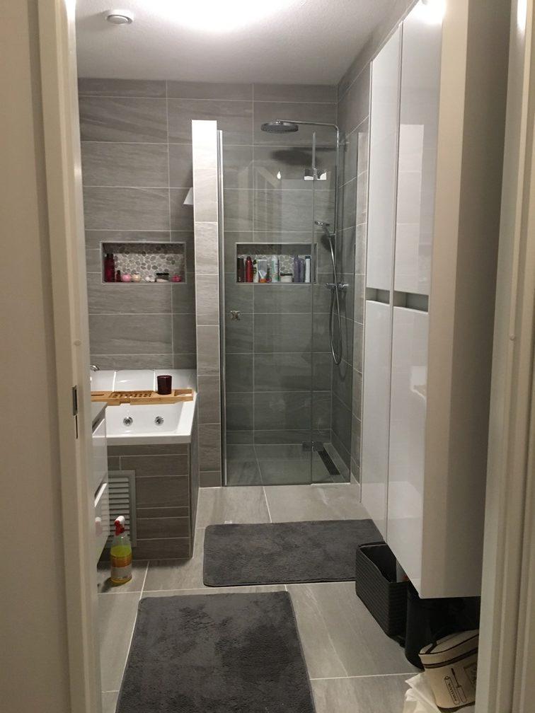 Badkamer met alles erop en eraan!