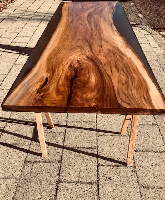 Handgemaakte epoxy tafel